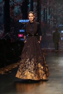 Shyamal and Bhumika Amazaon Fashion week 2018 (3)