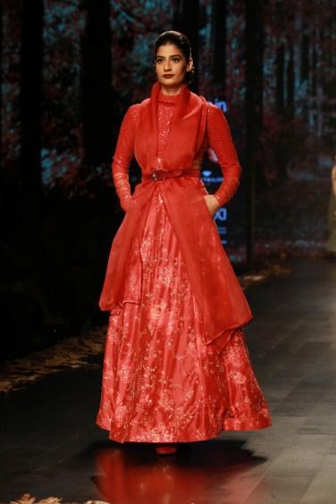 Shyamal and Bhumika Amazaon Fashion week 2018 (4)