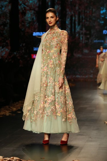 Shyamal and Bhumika Amazaon Fashion week 2018 (5)