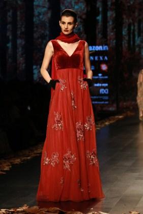 Shyamal and Bhumika Amazaon Fashion week 2018 (7)