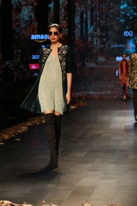 Shyamal and Bhumika Amazaon Fashion week 2018 (9)