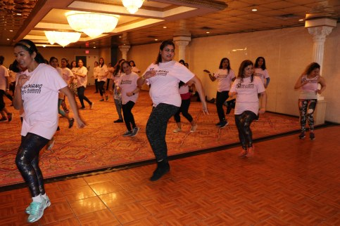 Varsha Naik lead a dance fitness event to support Breast Cancer Research program5