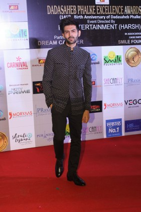 The Dadahaheb Phalke Excellence Awards 2018 (9)