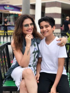 6. Deepshikha Nagpal with her kids giving us summer goals during her vacation