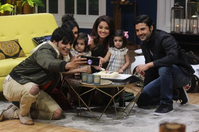 Adaa Khan birthday celebrations on the sets of JuzzBaatt