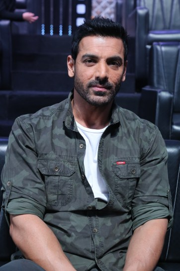 John Abraham for the promotion 0f Parmanu at the sets of DID Li'l Masters 04