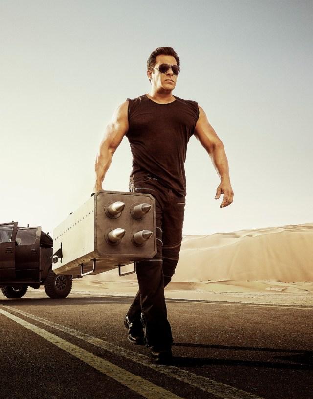Salman Khan all macho look in Race 3