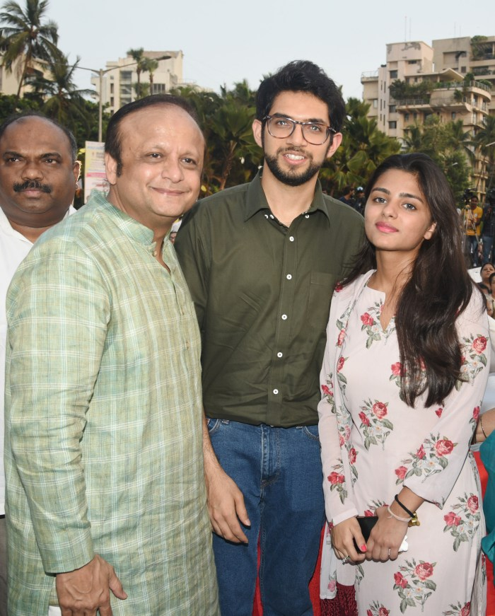 Asif Bhamla, Aaditya Thackeray and Saher Bhamla at Bhamla Foundation's World Environment Day celebrations at Carter Road