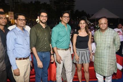 Basannt R Rasiwasia, Aaditya Thackeray, Shaan, Tanisha Mukherjee and Asif Bhamla at Bhamla Foundation's World Environment Day celebrations at Carter Road
