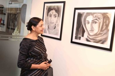 "Deepti Naval inaugurates Vimala Nandakumar's Art Exhibition ""The Girl -Sarva-shakti-Mayi""1"