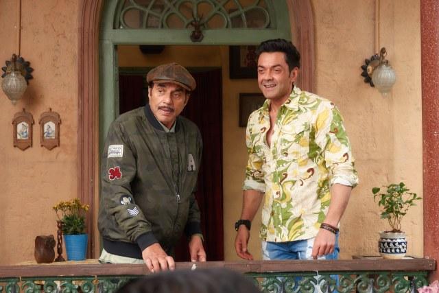 Dharmendra and Bobby Deol in Yamla Pagla Deewana Phir Se