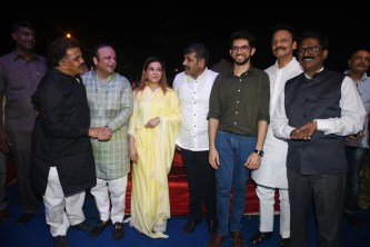 Sanjay Nirupam, Asif Bhamla, Sangeeta Ahir, Sachin Ahir, Aaditya Thackeray, Bhai Jagtap and Arvind Sawant at Bhamla Foundation's World Environment Day celebrations at Carter Road