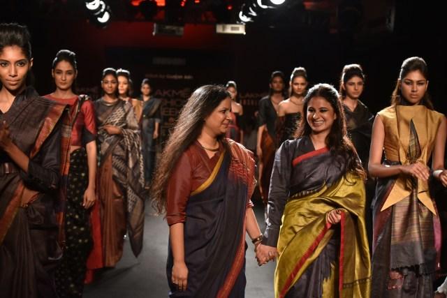 Rasika Dugal with designer Gunjan Jain at LFW - 1