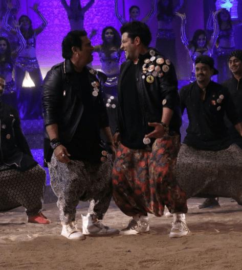 Govinda and Varun Sharma in Chotey Bade