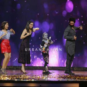 Yami Gautam Shahid Kapoor and Shraddha Kapoor dancing with Dipali