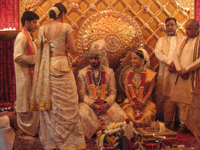 Bollywood actresses who tied the knot with younger men ...