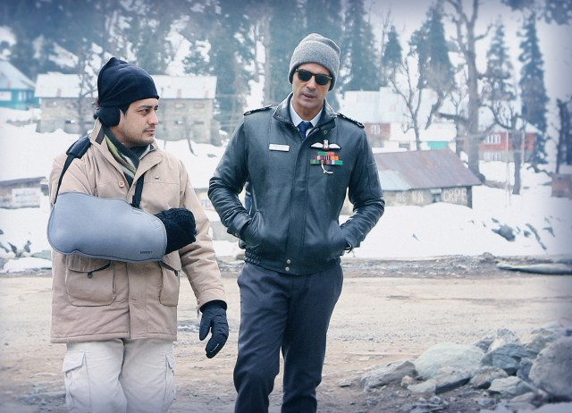 Writer-Director Vijay Lalwani with Arjun Rampal on location_'The Final Call'