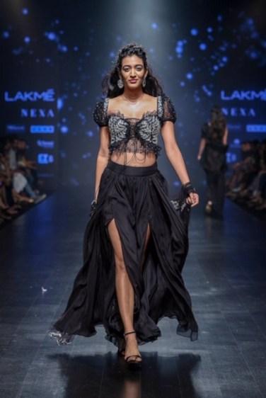 Shehla Khan Ramp Image 12