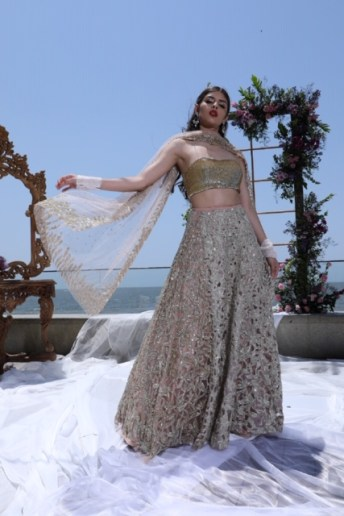 "Mumbai Designer Shehla Khan Reveals New Collection ""Destination Wedding"""