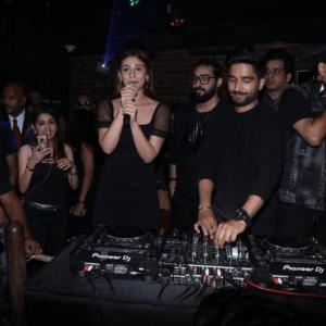 Dhvani Bhanushali promote Psycho Saiyan