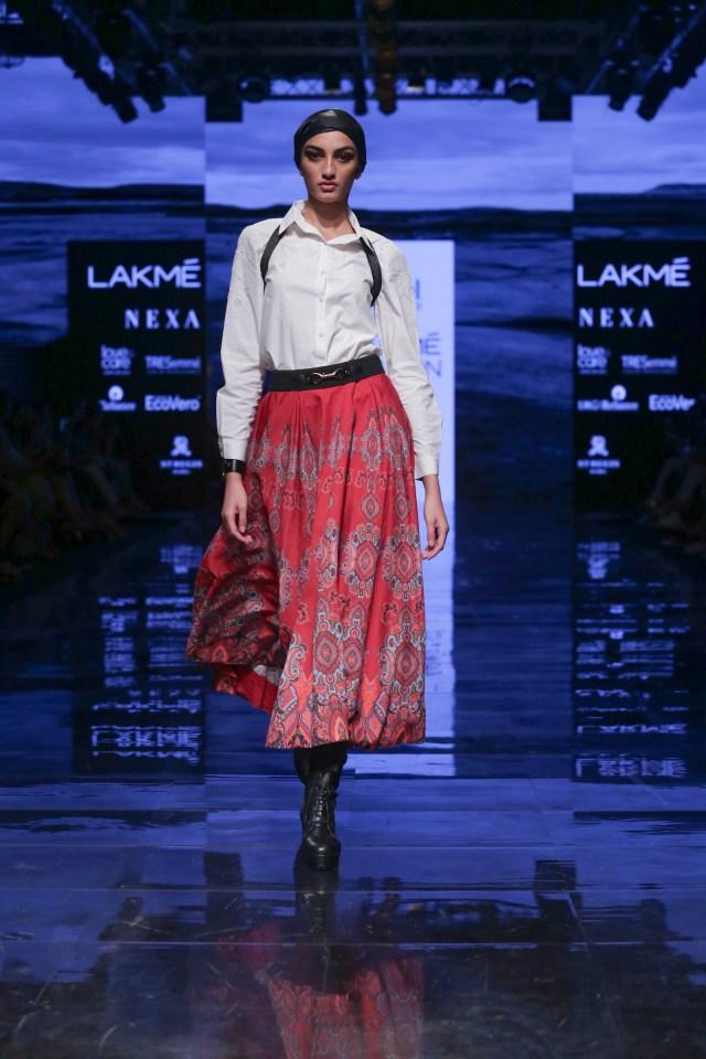 Ritu Kumar Modesl walk for LFW!