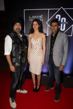 Pic 9- Jaspreet Chandok, Ananya Pandey and Ashwath Swaminathan at Lakmé Fashion Week 20 years' celebration - Copy