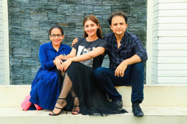 Dhvani Bhanushali with Radhika & Vinay