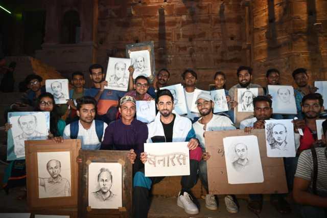 Ayushmann Khurrana Has A Gala Time in Varanasi