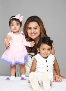 Deepshikha Deshmukh with kids