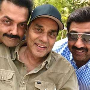 Dharmendra With Sons Sunny And Bobby Deol In Apne 2