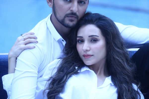 Heli Daruwala Teams Up With Darshan Raval For The Second Time