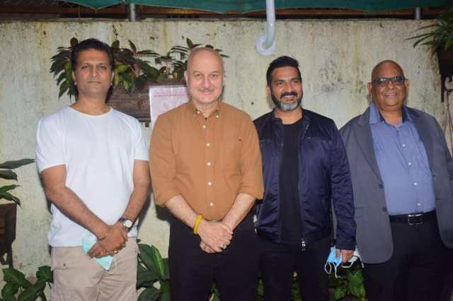 Satish Kaushik's industry friends amidst Covid situation attend Kaagaz Screening