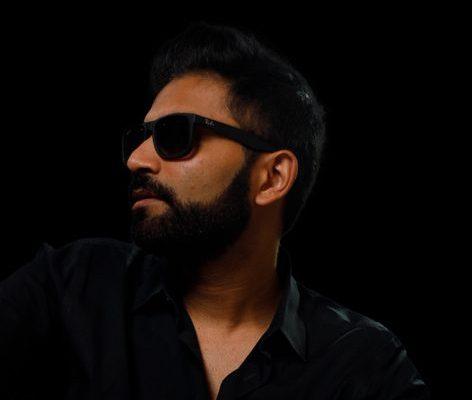 vaibhav sheth posing