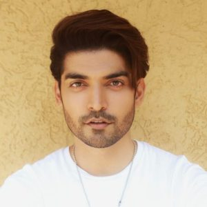 Gurmeet Choudhary launches a makeshift hospital in Nagpur to fight COVID-19!