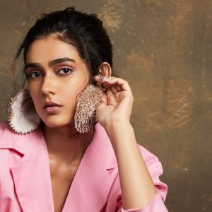 Aakanksha Singh raises funds for Covid-19 victims by auctioning her wardrobe
