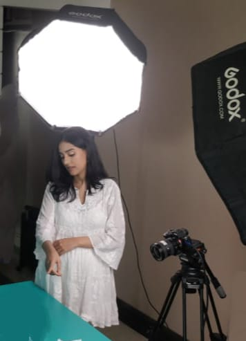 Amrita Rao back to work! Shoots for her first ad film commercial, post pregnancy!