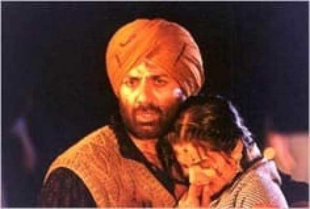 Anil Sharma celebrates 20 years of his iconic cult film, Gadar : Ek Prem Katha