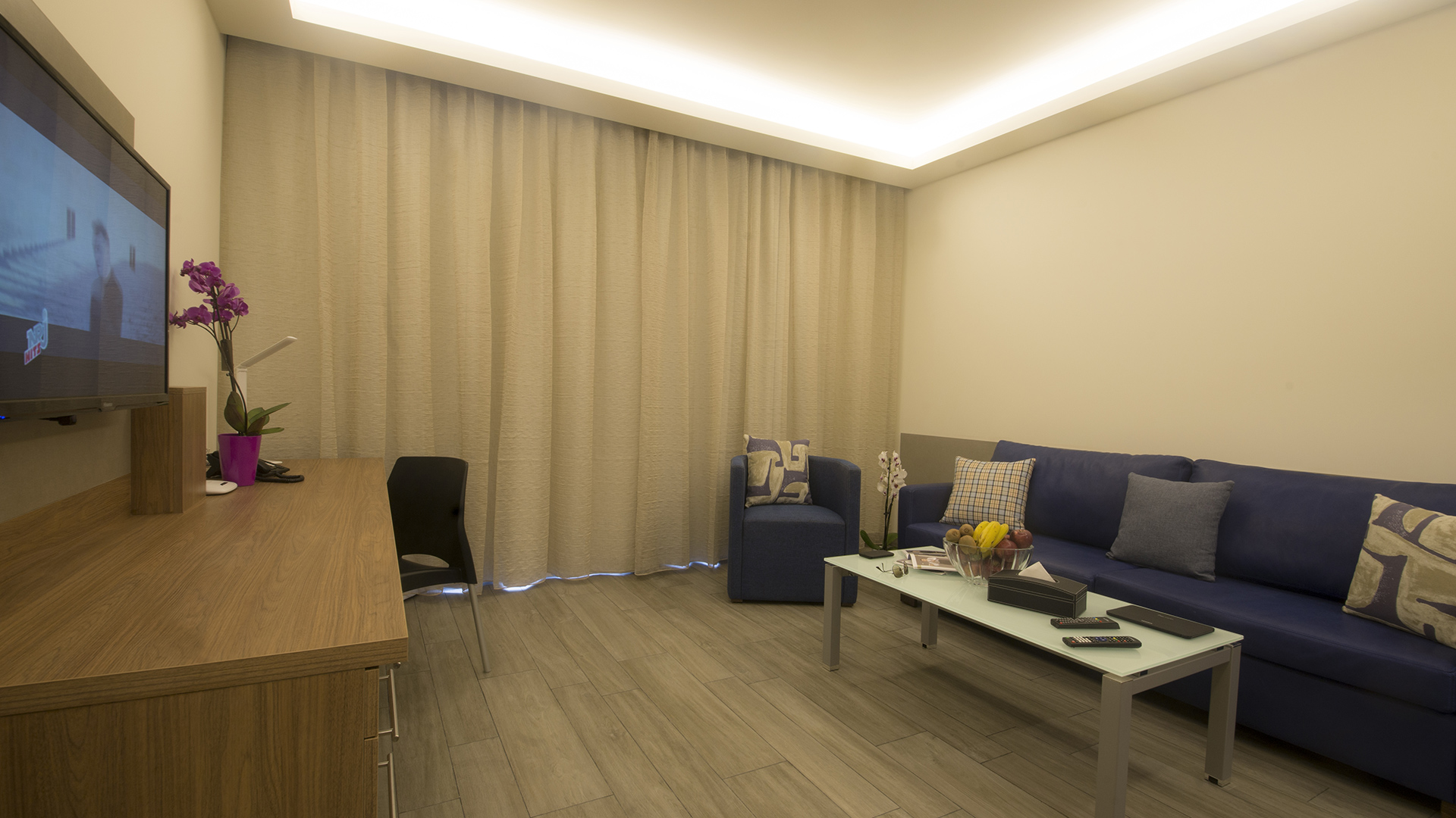 Urban Central Beirut - Deluxe One Bedroom Suite - 11