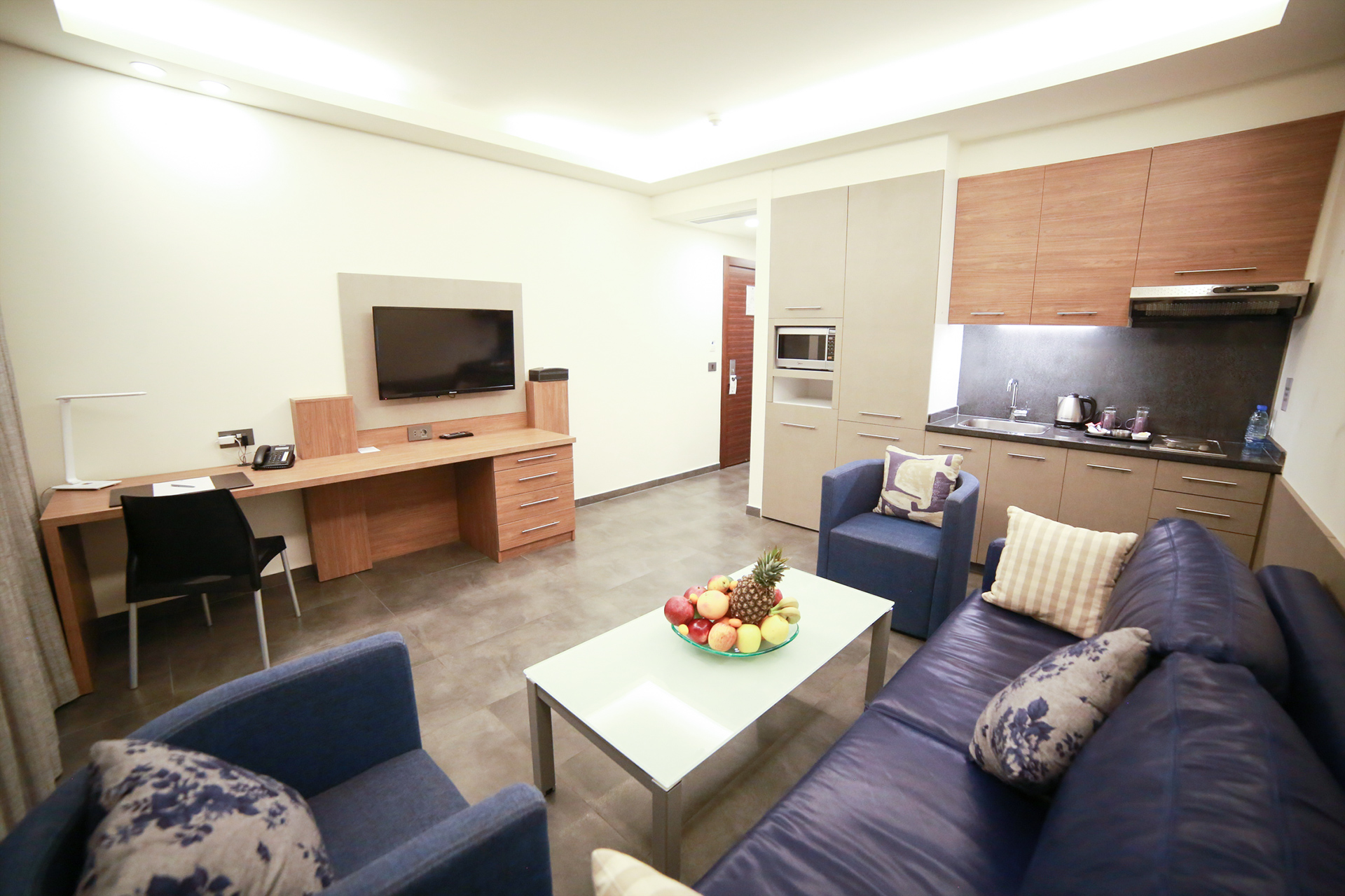 Urban Central Beirut - Premium One Bedroom Suite - 5