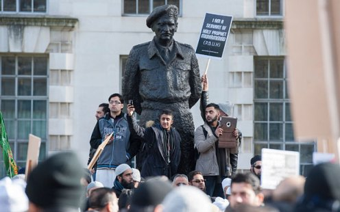 """The protest was organised by the Muslim Action Forum, which said that the Charlie Hebdo cartoons had helped """"sow the seeds of hatred"""" (Photo: Lee Thomas)"""