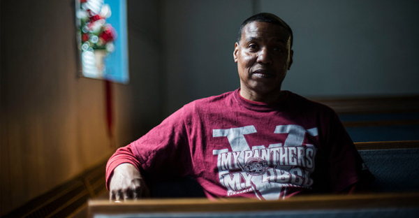 The Rev. Warren Savage, a former gang member, is trying to persuade members of several gangs to direct their energy away from violence. (Gabriella Demczuk for The New York Times)