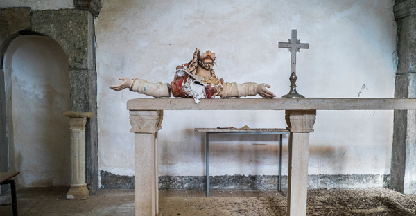A statue destroyed by ISIS last summer in a 13th-century church in Telskuf, Iraq. (Peter van Agtmael/Magnum, for The New York Times)