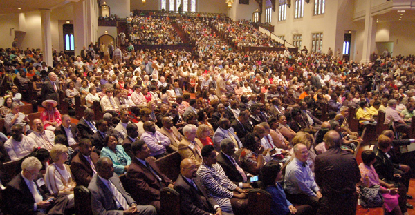 "Baptists in Mississippi stepped to the fore in worship across racial lines this summer, filling the auditorium of First Baptist Church in Jackson for ""Stronger Together – A Night of Unity."" (Photo by William H. Perkins Jr.)"