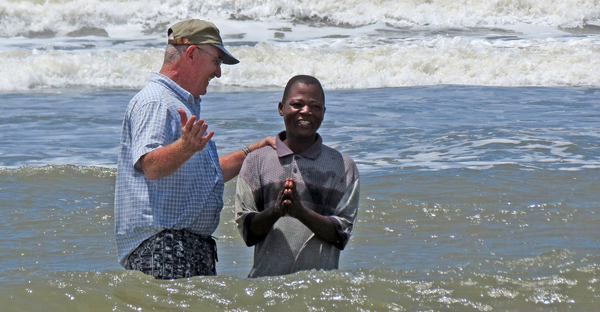 A decrease in international baptisms reported is due largely to changes in data-reporting methods, the International Mission Board said. (BP photo)