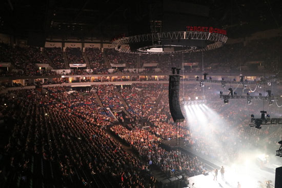 """The Very Next Thing Tour"" sold-out show - Target Center, Minneapolis, MN"