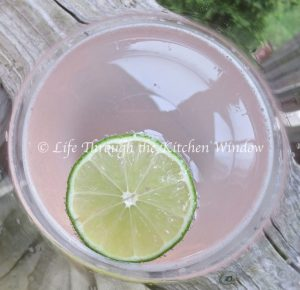 Rhubarb & Lime Gin Fizz | © Life Through the Kitchen Window