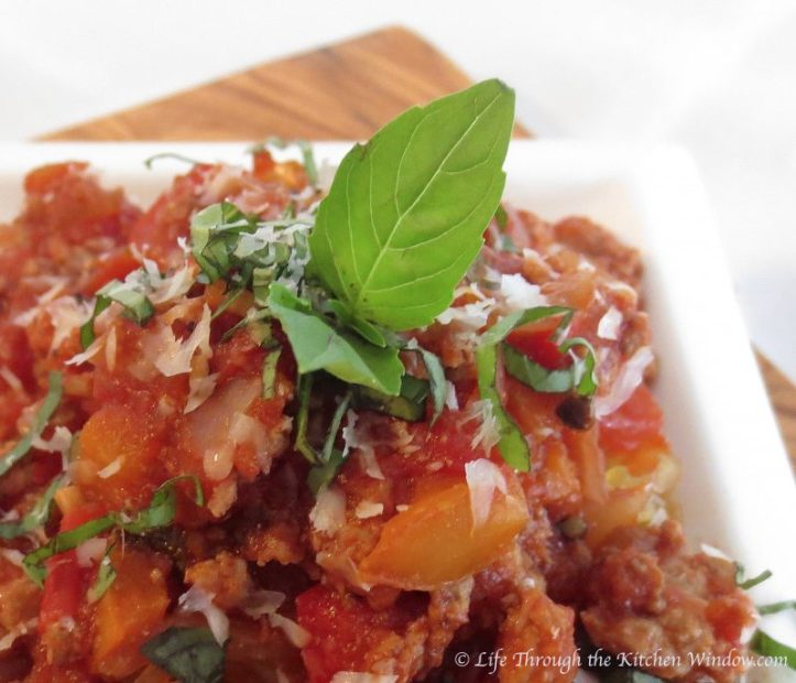 Basic Spaghetti Sauce | © Life Through the Kitchen Window.com