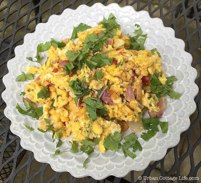 Scrambled Eggs with Corn Salsa | © Urban Cottage Life