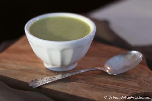 Curried Cream of Broccoli Soup | © UrbanCottageLife.com