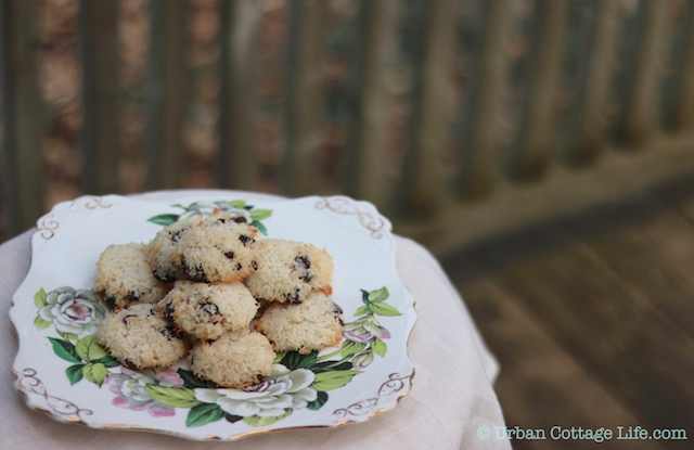 Sour Cherry Macaroons |© UrbanCottageLife.com 2016